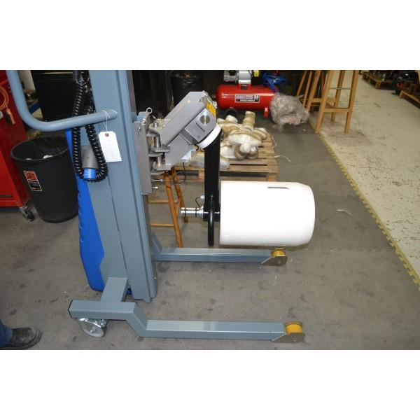 Wózek manipulacyjny 250 kg z trzpieniem rozprężnym do rolek fi152 150/650